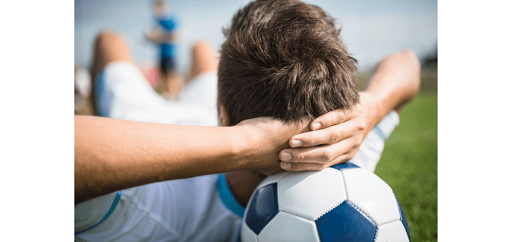 what do soccer players do during halftime - brief relaxation